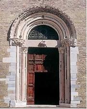 Porta della Basilica Cattedrale a Fano